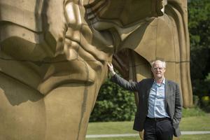 Tony Craggs bronsskulptur