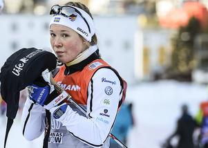 Jonna Sundling tvingas åka hem från VM-lägret i italienska Seiser Alm efter att hon drabbats av luftrörsinfektion och feber.