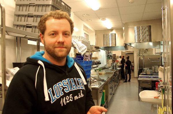 Jens Orsholm som driver aktivitetshuset, har haft fullt upp över jul och nyår, den 21 december öppnade man dörrarna till lokalerna.