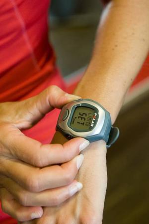 BRA HJÄLP. En pulsklocka lär dig att lägga dig på rätt nivå i träningen.