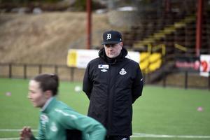 Tommie Andersson är full av optimism inför sin tionde säsong i Själevad. Klubben är tillbaka i division 1.