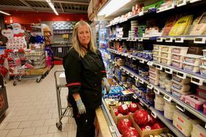 – Idag är det fullt ös både i affären och  på Eriksgården, säger Rita Holmqvist.
