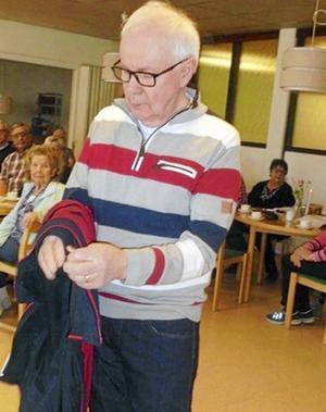 Jarl Christofferssoni ett av alla underbara plagg som visades i samband med SPF Skinnarbygds modevisning.