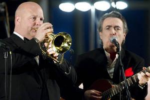 Magnus Johanssons trumpet var klar och stilren och Eddie Oliva fick publiken med på noterna.