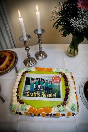 Det blev stort tårtkalas med tårtor från Myregården.