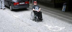 Här får Hannu Pikki inte parkera. Foto: Ulf Eneroth