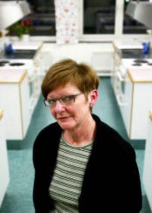 Christina Noreus och hennes lärarkollegor på Vibackeskolan tycker att det är fel att kommunpersonalen läggs på nya arbetsuppgifter.