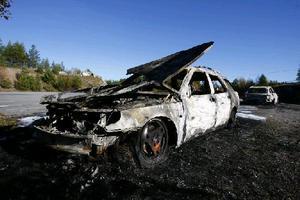 2015 brann minst 30 bilar på pendlarparkeringen i Ledinge. Sedan dess har bränderna varit betydligt färre. Foto: Anders Sjöberg.
