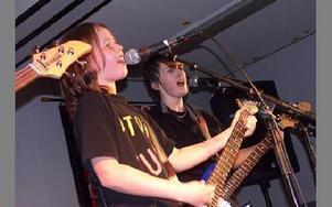 Eric Gustafsson och Jonathan Peleback i Atomic Punk.FOTO: ANNA ENBOM