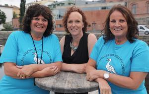 Tre av fyra som står bakom stödkonserten för BB-ockupationen och Sollefteå akutsjukhus i stadsparken i Sollefteå på lördag. De är Kerstin Deivert, Anne Hammerling och Marie Eriksson.
