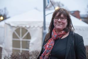 Tältet utanför Migrationsverket har fungerat som extra väntrum under de dagar då söktrycket varit som störst och alla inte fått plats inomhus.   – Maria Beiron