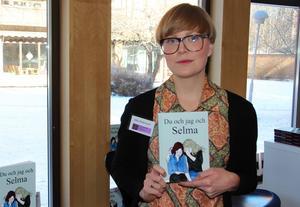 Elin Pettersson släppte sin Du och jag och Selma på bokmässan.