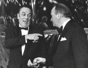 Gösta Bernhard och Carl-Gustaf Lindstedt, här i skämtartagen i Crasy-gänget på Intiman. foto:scanpix