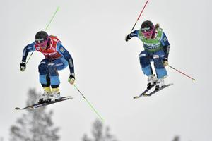 Anna Holmlund premiärvinner första världscuptävlingen på Idre Fjäll och trean Sandra Näslund.