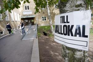 Med språng! Idén att riksdagen ska tvinga kommuner att ordna lokala folkomröstningar är juridiskt sett mycket märklig. foto: scanpix