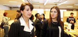 Elena Al Damanhouri och Seda Celik presenterade personalkooperativet Sandaga de varit med och startat för bland andra Arbetsförmedlingen, länsstyrelsen och Gävle kommun.