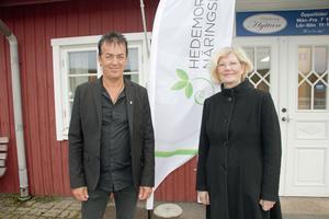 Kenneth Berggren och Annika Strand har en del att stå i för att lyckas fylla ut behovet av specialutbildat kompetent personal till Hedemora kommun.