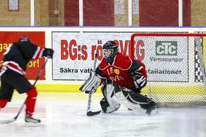 Elin Hellström i Svegsmålet fick beröm av tränare Ola Persson, här från en tidigare hemmamatch.