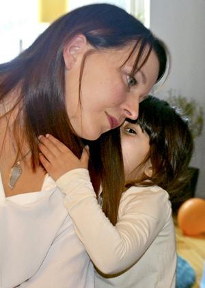 Fyraåriga Silje ger Annelie och övriga familjen Huczkowski kraft när sorgen nästan känns övermäktig.