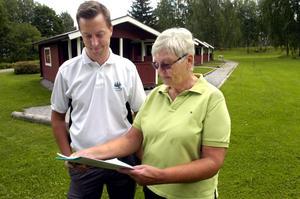 Bygga ut. Linde golfklubbs styrelse och ordförande Kristina Hugosson har ett förslag på att bygga sex nya stugor och ett servicehus i anslutning till de befintliga gäststugorna i Dalkarlshyttan. Fredrik Öster har jobbat i kommittén som tagit fram utbyggnadsprojektet.
