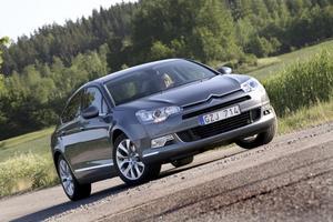 Nya Citroën C5 har vuxit, främst på bredden, och fått en linjeföring som bör tilltala även icke-freaks.