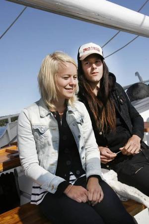 Dagen på sjön är en födelsedagspresent från Elin Östrin till Nicolas Örsell. Båten Baltic Beaty åkte tre nautiska sjömil innan den vände.
