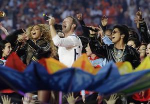 Beyoncé, Chris Martin och Bruno Mars bjöd på färgsprakande underhållning.