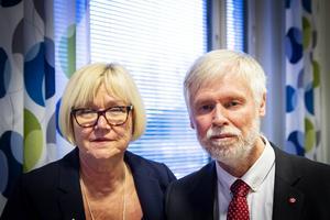 Elisabeth Winsjansen och Tommy Berger är överens om att det nu gäller att genomföra en smidig överlämning.