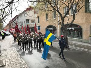 1 majtåget gick sedvanligt från Österängsparken till Stortorget i Östersund. Det var ungefär 300 personer som demonstrerade och runt ett hundratal personer kom till Stortorget för att lyssna på talen, enligt Socialdemokraternas egen uppskattning.
