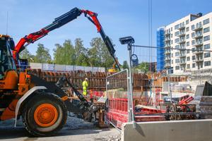 Här pågår arbetet med grunden för Sländan etapp 2. I bakgrunden ses etapp 1.
