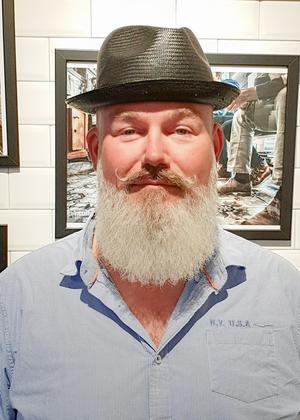 Mathias Brorson är sångare och bryggmästare.