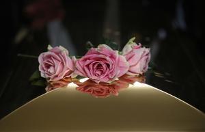 Aretha Franklins kista vid begravningen. Hon avled 16 augusti.