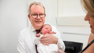 I november 2017  besökte Anders Teljebäck en av de bebisar som föddes precis då kommunen skulle passera 150 000 invånare.