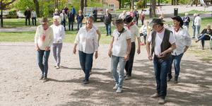 Åldern i dansgruppen, som inte har något namn, varierar från sextio år upp till 77 år.
