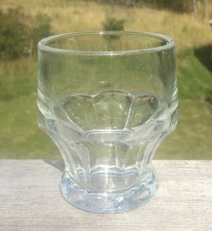 Vem skapade glaset?