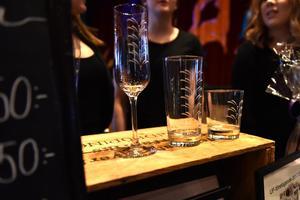 De tre produkterna som Glass of Dalarna UF säljer just nu.