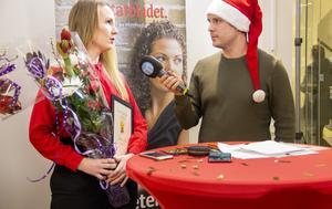 Sabina Bär intervjuades i direktsändningen av Arbetarbladets nöjesredaktör Fredrik Selgeryd.