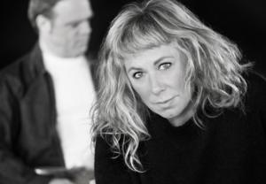 Stina Wollter och Micke Olsson. Foto: pressbild