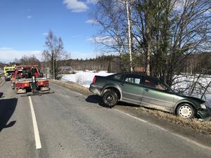 Bilen hade kört ner i diket.