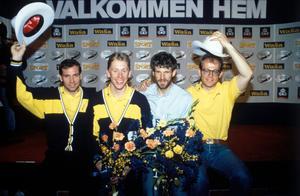 Torgny Mogren, Gunde Svan, Thomas Wassberg och Jan Ottosson. välkomnas hem från Calgary. Bild: Jan Collsiöö/TT.