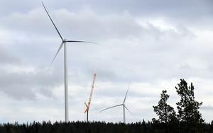 Ska kommunstyrelsen i Ånge kommun avblåsa rådande vindkraftstimeout eller ska den vara kvar, trots de miljöproblem vi har i vår närmiljö i Ånge kommun? undrar Kjell Berg.