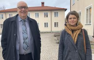 Ulf Berg, Regionstyrelsens ordförande, (M), Region Dalarna, Sofia Jarl, hälso- och sjukvårdsnämndens ordförande, (C) får kritik från insändarskribenten.