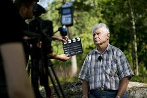 Tagning. Tagning ett! Hålahult. Nu har filmningen av Hålahultavsnittet kört igång, och Kurt Jantzén berättar.