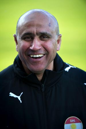 Efter fem raka förluster fick Mustafa Elhachmi  lämna Säters IF.
