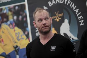Johan Esplund under torsdagens pressträff på Studenternas.