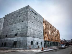 Parkeringshuset kan utses till Sveriges fulaste nybyggnation.