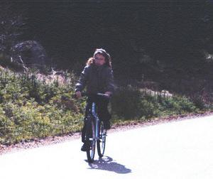 Bilden på den cyklande Engla togs av en amatörfotograf som testade sin nya kamera.