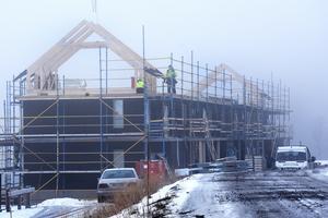 Bygge av Skistars nya bostadsrätter i Åre-Sadeln i november. Länsstyrelsen har bildat en grupp som ska kunna se igenom dimmiga förhållanden i samhällsplaneringen framöver.