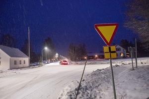 Många kör av vägen i korsningen i Vemhån enligt medborgarförslagets författare., Martin Wåhlin Kämpedal.