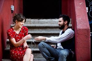 Keira Knightley spelar mot Adam Levine från Maroon 5, i en film om musik, kärlek och att våga vara sann mot sig själv.   Foto: SF
